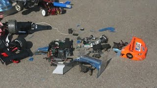 getlinkyoutube.com-best rc car crash history ever fatal165 kmh 100 mph lipo brushless crash accident asso tc4 brutal