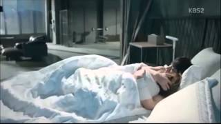 getlinkyoutube.com-Korean Drama Kiss Scenes Ji Chang Wook Kiss Park Min Young   Healer Kiss Scene