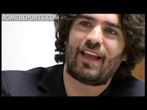 Eduardo Verastegui has recorded a song dedicated to Benedict XVI