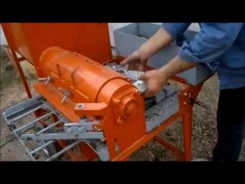 Maquina para hacer ladrillos de barro adobes
