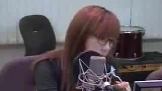 getlinkyoutube.com-Chin Chin Taeyeon - 2NE1 'I Don't Care'