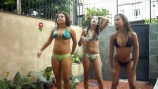 getlinkyoutube.com-Tres noides dançando kkkkk