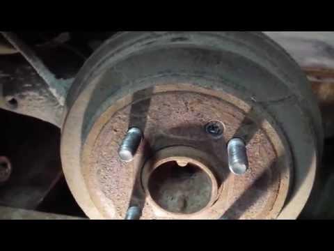 Расположение у Хендай ix20 задних тормозных колодок