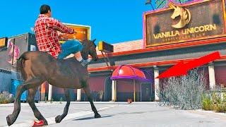 getlinkyoutube.com-Entrando de CAVALO no Puteiro! (GTA V Horse Mod)