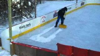 getlinkyoutube.com-Lamplighter Hockey -- Backyard Rink