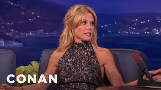 getlinkyoutube.com-Julie Bowen's Sons Love Her Boobs