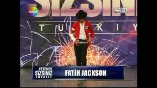 getlinkyoutube.com-Fatih Jackson - Michael Jackson Dance - Part 1 (Turkey Got Talent)