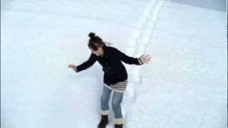 getlinkyoutube.com-宮崎あおい 「雪を歩く」篇 アースミュージック&エコロジー CM