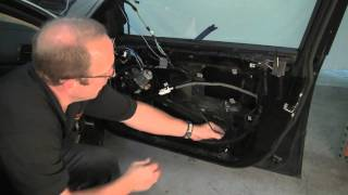 getlinkyoutube.com-Removing BMW Door Panel & Replacing Window Regulator