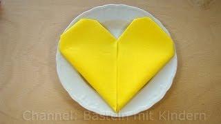 getlinkyoutube.com-Servietten falten Herz - ❤️ einfache DIY Tischdeko für Hochzeit & Geburtstag basteln