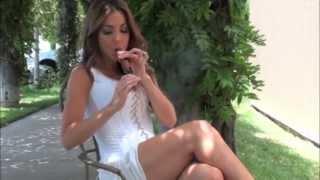 getlinkyoutube.com-Delicia Cigar Vixen La Aroma de Cuba review and photo shoot