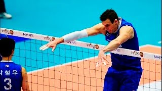 getlinkyoutube.com-Top 10 MONSTER Blocks of All Time | Volleyball