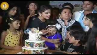 getlinkyoutube.com-Cake Cutting 1000 Episodes Diya Aur Baati Hum On Party Location