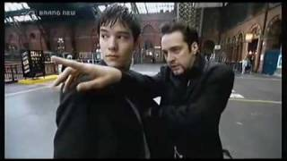 getlinkyoutube.com-Derren Brown - How To Be A Pickpocket 1