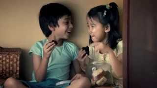 getlinkyoutube.com-Heart touching  Brother  and Sister by  Nestlé