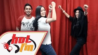 MARSHA & BETTY RAHMAD - Battle Menari - #HotTV