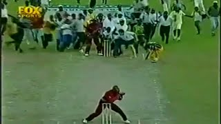getlinkyoutube.com-Top 10 Funniest moments in cricket history v2
