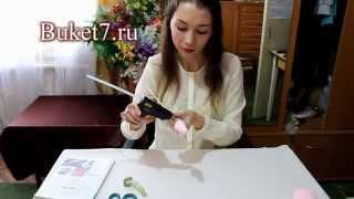 getlinkyoutube.com-Бутон розы из конфеты и гофрированной бумаги Мастер-класс