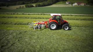 PÖTTINGER TOP rakes with single rotor and twin rotor side swath rakes