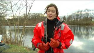 getlinkyoutube.com-Christine learns how to conduct a Cold Water Rescue