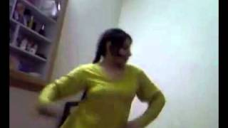 getlinkyoutube.com-Girls Hostel Room Dance of Lollywood song home made vdieo