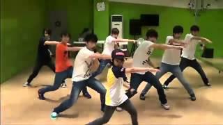 getlinkyoutube.com-[SEVENTEEN PREDEBUT] SEVENTEEN dances + sings to Super Junior - Happiness & B2ST - Beautiful