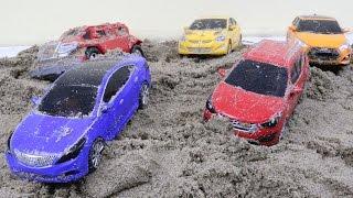 getlinkyoutube.com-Hello Carbot sand play 카봇 모래놀이 호크 프론 에이스 스카이 트루