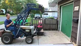 getlinkyoutube.com-Montgomery Ward 14 HP Tractor With Loader
