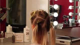 getlinkyoutube.com-How to highlight hair quick and easy with 30 foils
