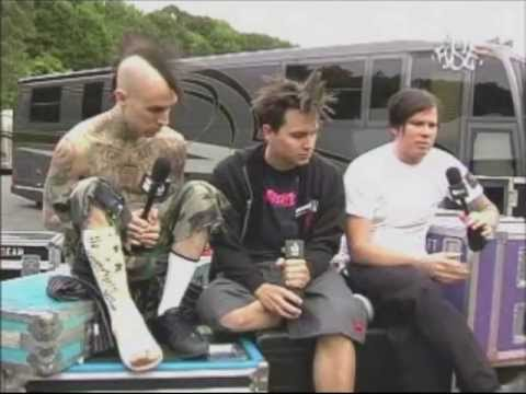 blink-182 talking about Warped Tour [2004]