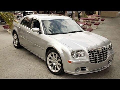 2988. Chrysler 300C SRT8 2005 (потрясающее видео)