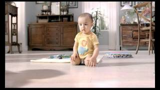 "getlinkyoutube.com-An ""awwwwww"" film from Huggies : Kajol, shadow and the baby"