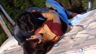 getlinkyoutube.com-Chupke Se Raja Ratia Mein   Bhojpuri Superhot Song