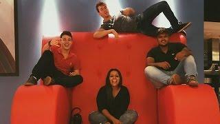 getlinkyoutube.com-Brothers Rocha mudando pra SP - Phillipe, Camila Loures e Carlos Santana na casa do Gustavo
