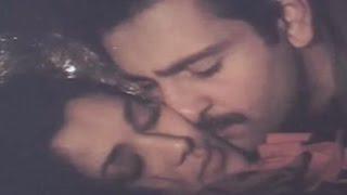 getlinkyoutube.com-Rajeev Kapoor, Mandakini, Hot Kissing Scene - Hum To Chale Pardes