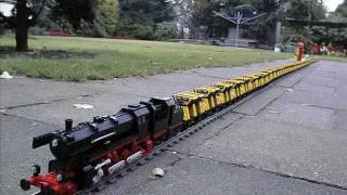 getlinkyoutube.com-World Record - Longest pulled LEGO Train: 126 cars!