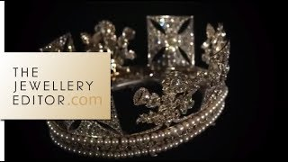 getlinkyoutube.com-Buckingham Palace exclusive: the Queens jewellery show