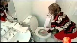 Mujer se caga en casa de su novio