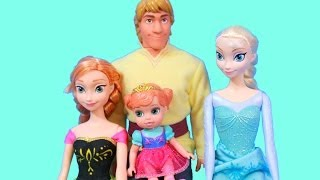 getlinkyoutube.com-Elsa Teaches Young Anna how to Ice Skate Barbie Parody Kristoff Disney Frozen Queen Elsa