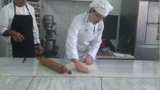 getlinkyoutube.com-ιεκ μαγειρικο Α2 ΗΡΑΚΛΕΙΟΥ επιδειξη αεροφυλλου