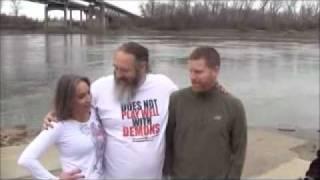 getlinkyoutube.com-Baptism in the River! COLD!! 11-27-11