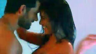Poonam Pandey The Weekend | Kiss & Hot Scenes