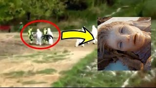 getlinkyoutube.com-10 Mermaids That May Have Been Caught on Tape