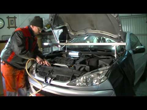 Peugeot 1.6 l 16V Replacing timing belt and water pump