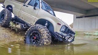 getlinkyoutube.com-RC scale truck! First test ride of a SCX10 crawler with Tamiya body!
