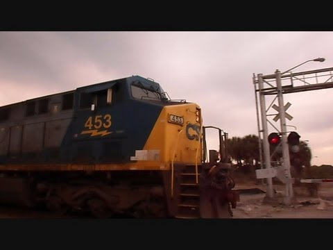 CSX Train Goes Through Abandoned Railroad Crossing