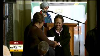 Zindzi Mandela receives Madiba's smart card plaque