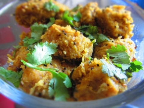 Dhudhi na muthiya (Steamed bottle gourd dumplings) by crazy4veggie.com