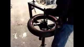 getlinkyoutube.com-desmontadora / montadora de ruedas
