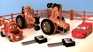 getlinkyoutube.com-CARS Tractor Tipping Playset With Mater Lightning McQueen Hears Tractors Goes Moo Disney Pixar